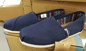 2 par Tom's Classic Navy Canvas damesko, str. 38 og 38,5