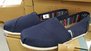 2 par Tom's Classic Navy Canvas damesko, str. 38,5 og 39